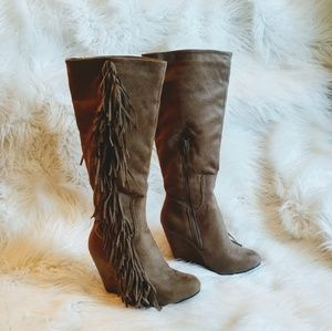 Fringe Wedge Boots